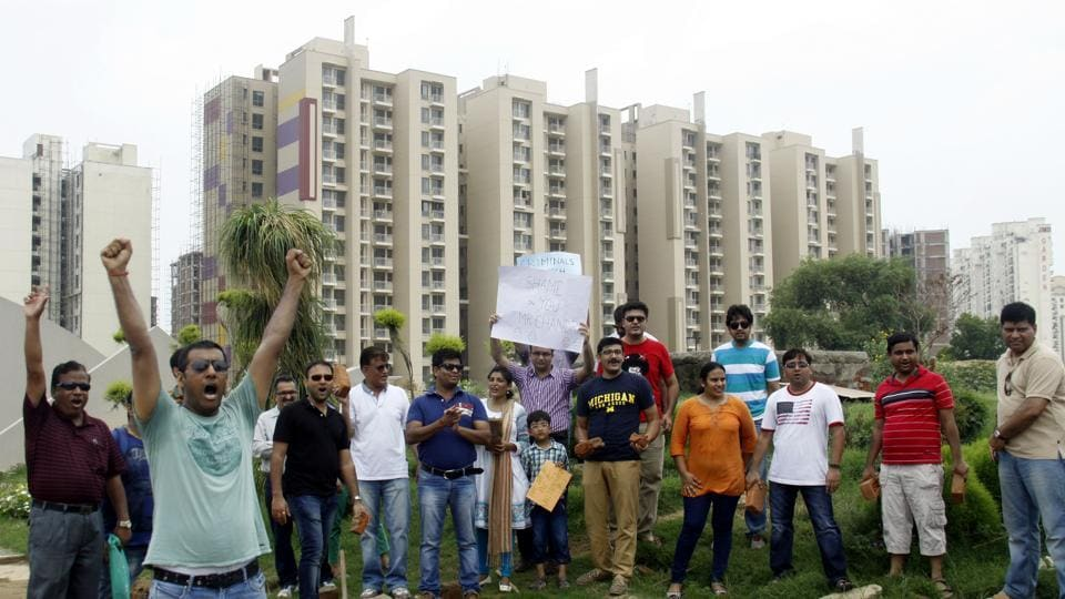 Buyers protest against Unitech at Sector-33 in Gurgaon.