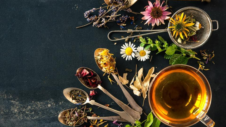 19 Amazing Benefits Of Herbal Tea For Skin, Hair And Health