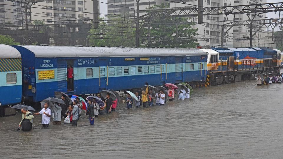 Waterlogging on railway tracks due to heavy rains at Kurla in Mumbai on  August 29, 2017