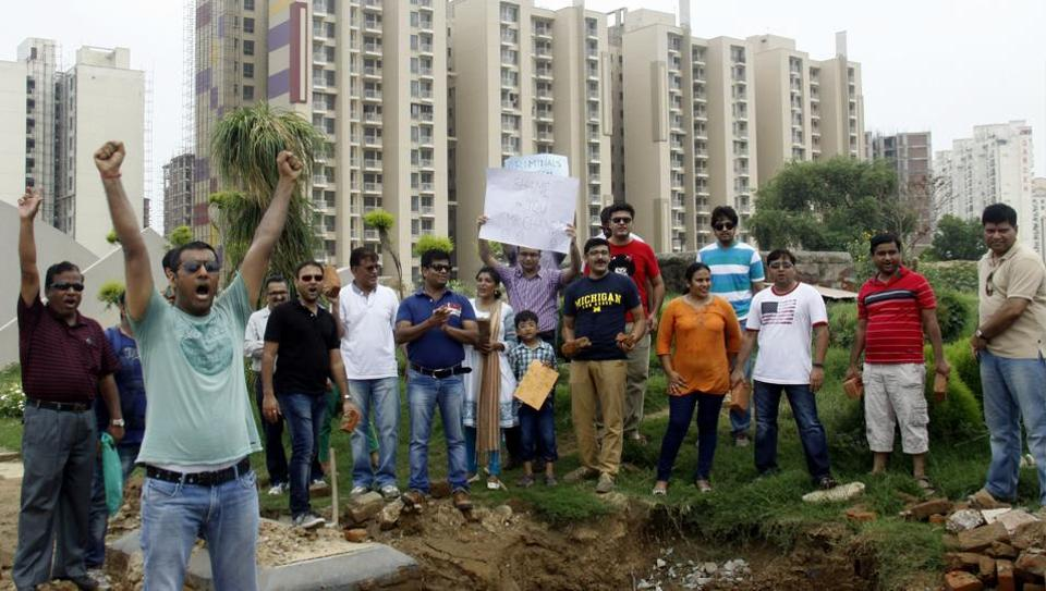 Buyers protest against Unitech at Sector 33 in Gurgaon in July 2014.