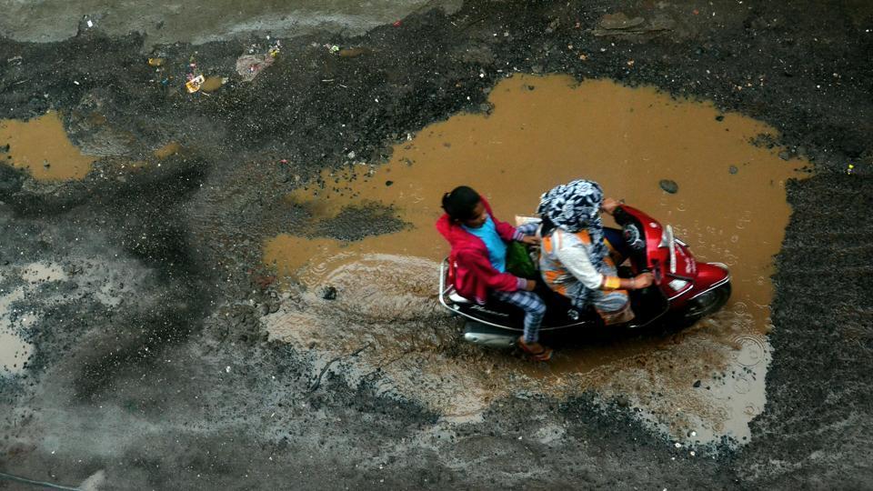pune,potholes,pothole issue