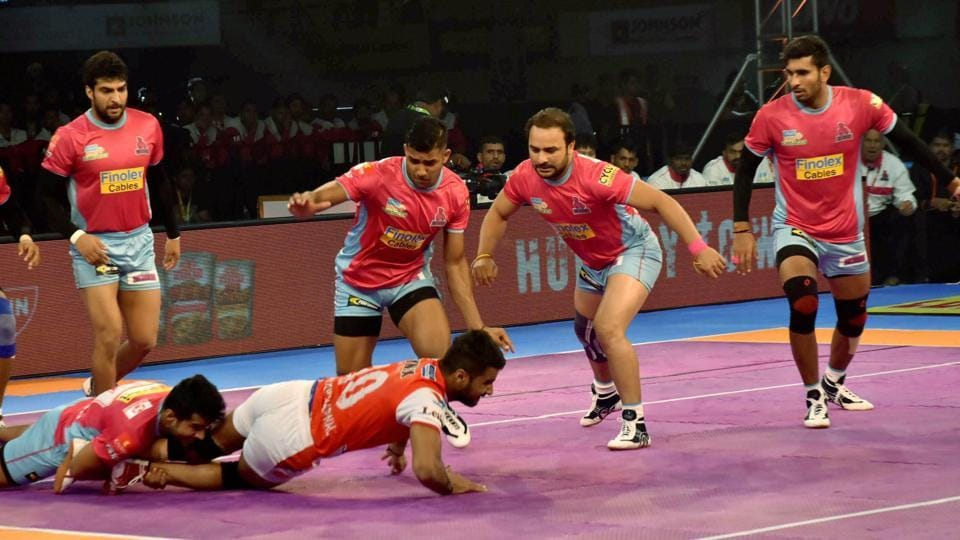 Players of Jaipur Pink Panthers (Pink) and Haryana Steelers (Red-White) in action during their Pro Kabaddi League match at Tana Bhagat Indoor Stadium in Ranchi, Jharkhand on Thursday.