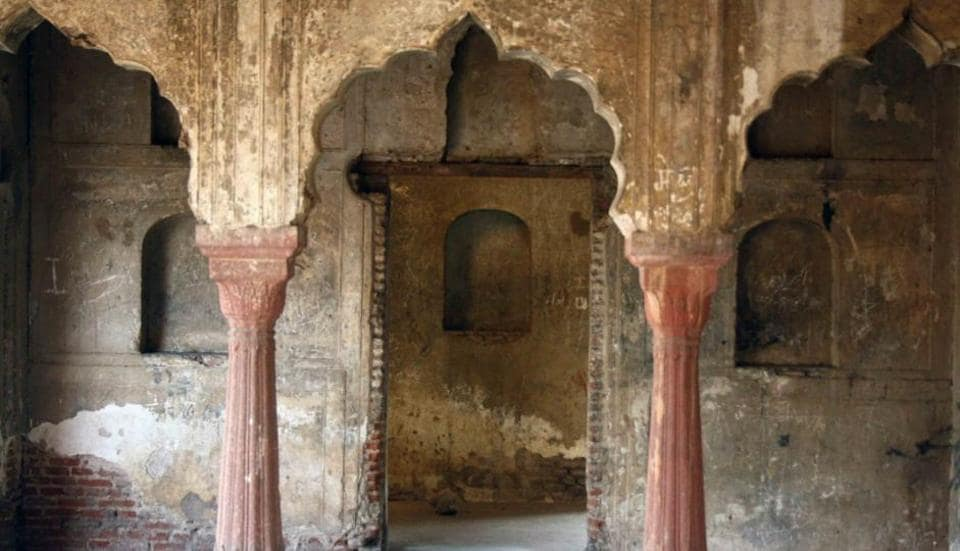 Situated in south Delhi's Mehrauli village, Zafar Mahal's beauty lies unnoticed.