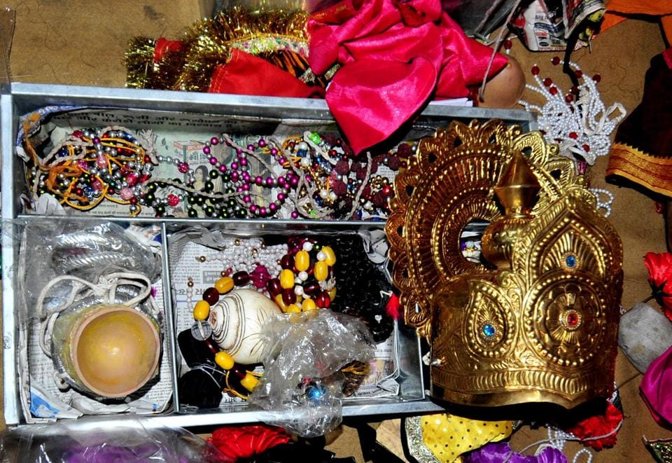 A Ramlil artiste's jewellery box contains everything, including a crown!  (Ravi Kumar/HT)