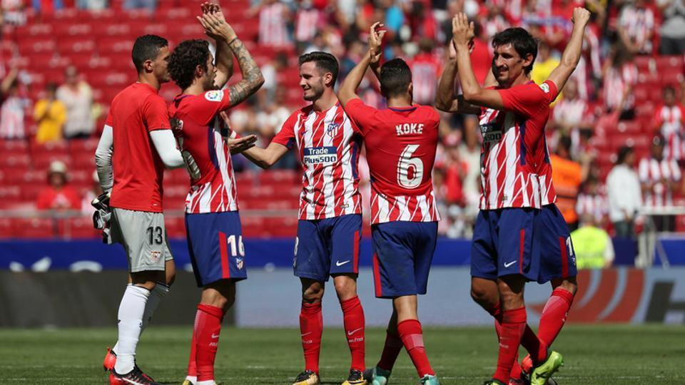 Soccer Football - Santander La Liga - Atletico Madrid vs Sevilla - Wanda Metropolitano, Madrid, Spain - September 23, 2017 Atletico Madrid players celebrate after the match REUTERS/Javier Barbancho