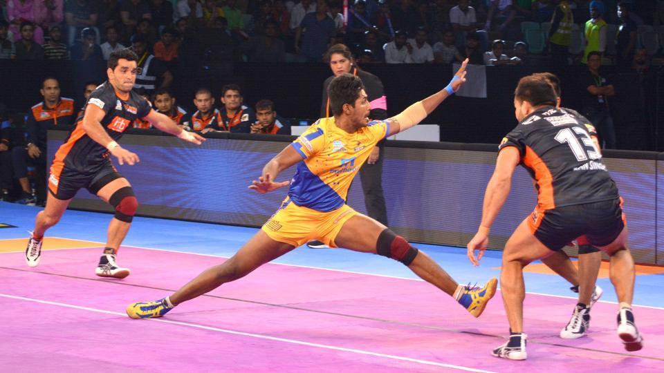 Tamil Thalaivas vs Bengal Warriors Pro Kabaddi League match in progress.