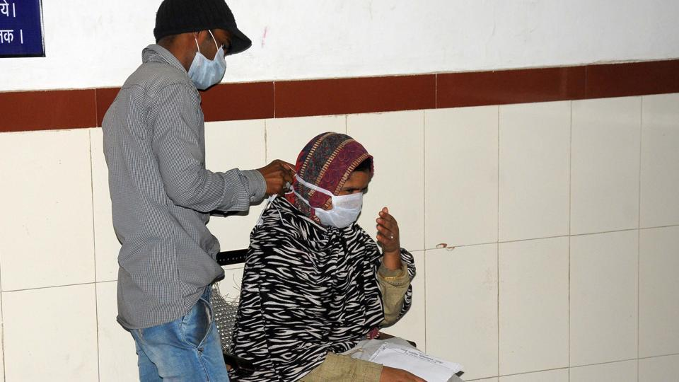 Government recommends vaccination for health care workers in hospitals and institutional settings with a likelihood of exposure to influenza virus.