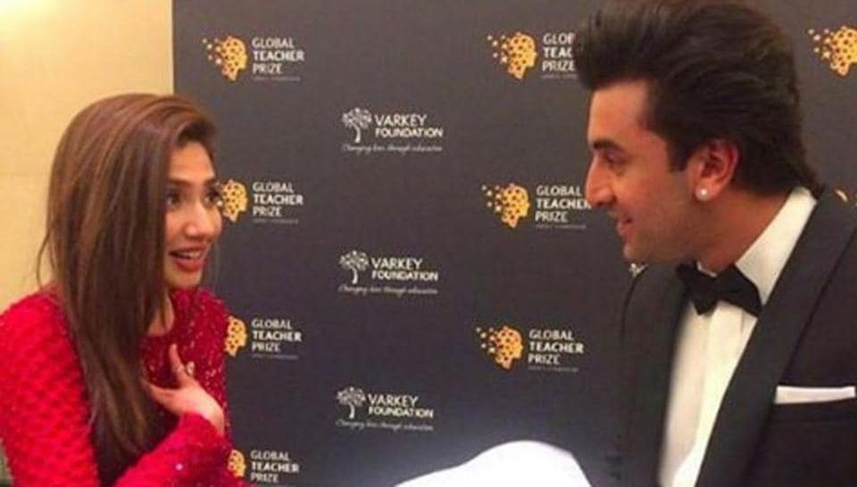 Ranbir Kapoor and Mahira Khan attended Global Teacher Prize ceremony and their pictures and videos went viral.