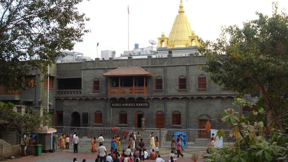 The temple town sees as many as 1 lakh devotees on auspicious days.