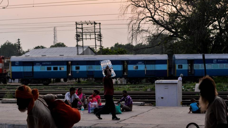 Acting on the railway minister's orders, authorities issued a directive, saying each food box and casserole would now bear the name of the supplier and contractor, weight of the product, date of packing and the vegetarian or non-vegetarian symbol.