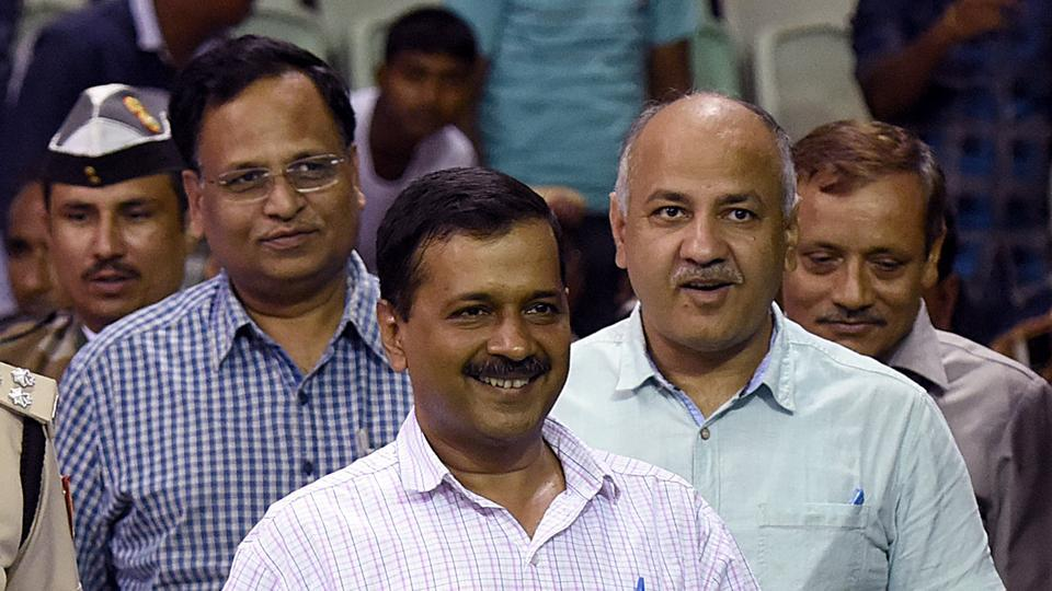 The Delhi government on Monday questioned lieutenant governor Anil Baijal's move to appoint a separate set of advocates for the services department