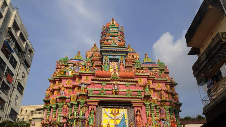 A traditional temple style, common to both the southern and eastern regions in India is the backdrop for the Ekdalia Evergreen Club Durga Puja in South Kolkata.  (Samir Jana / HT Photo)