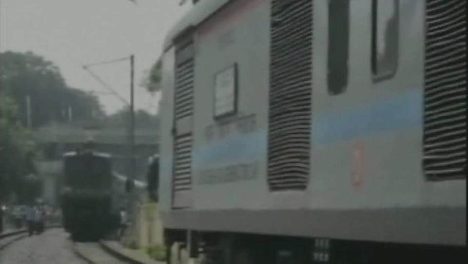 train accident,avoiding collision,duronto