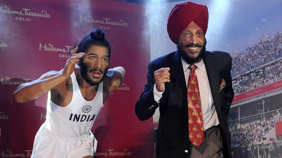Milkha Singh unveiling his wax statue at the Madame Tussauds museum in Chandigarh on Tuesday, September 26, 2017.