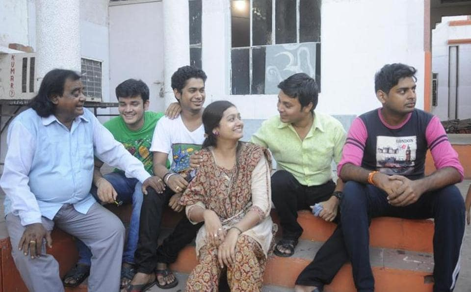 Left to right:Shankar Pal( Ravan), Prince Biswas(Shatrughan), Prashant Parida (Bharat), Priyanka Bose(Sita), Rahul Chatterjee(Ram) and Prasanjit Saha(Lakshman) in Lucknow.