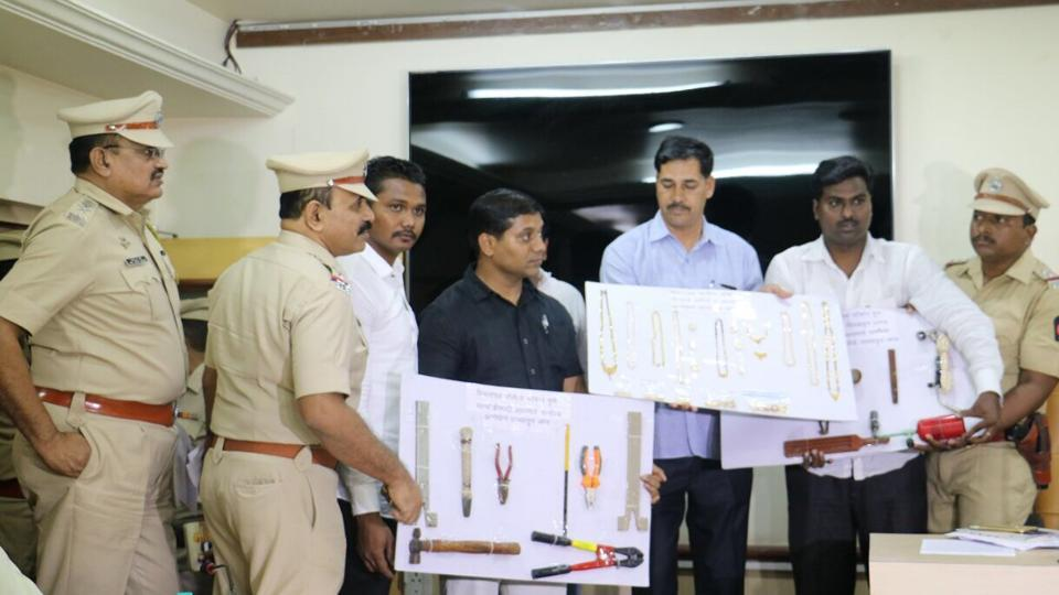 The 'home-made' innovative equipment used for theft — an iron cutter, a tool used to break iron locks, a hammer and a hacksaw blade — was recovered from Ravi Gopal Shetty by the Pune police.