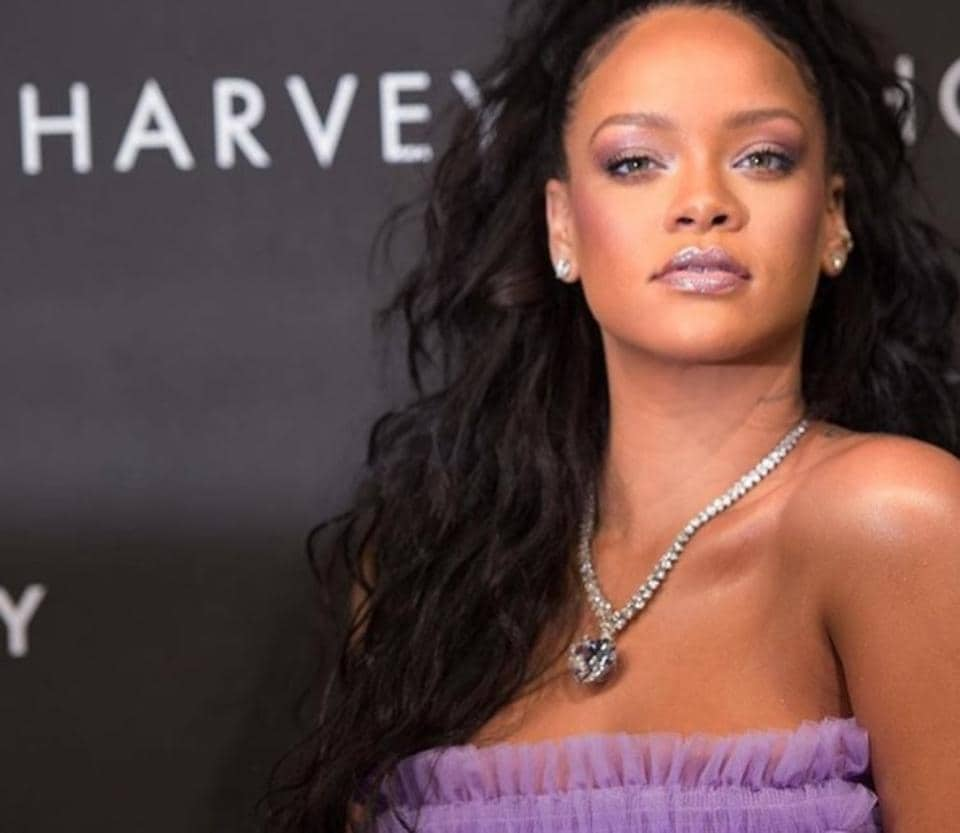 Rihanna confirmed via Instagram that her lavender look was created using her own new Fenty Beauty collection.