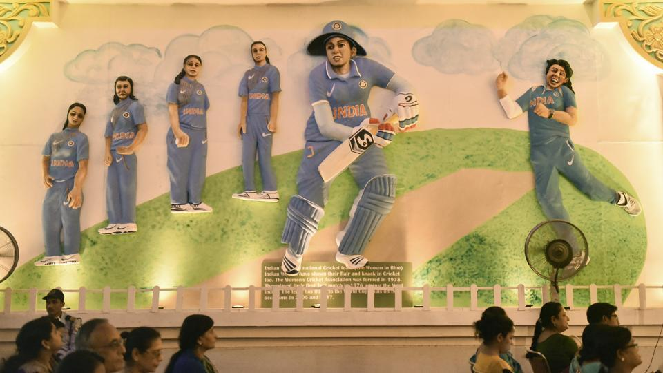 Members of the Indian women's cricket team are seen personified as murals in line with Safdarjang Enclave Kali Bari's Women's Empowerment theme during this year's Durga Puja festivities. (Burhaan Kinu / HT Photo)