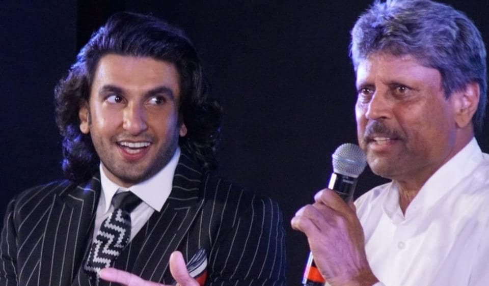 Ranveer Singh along with former cricketer Kapil Dev.
