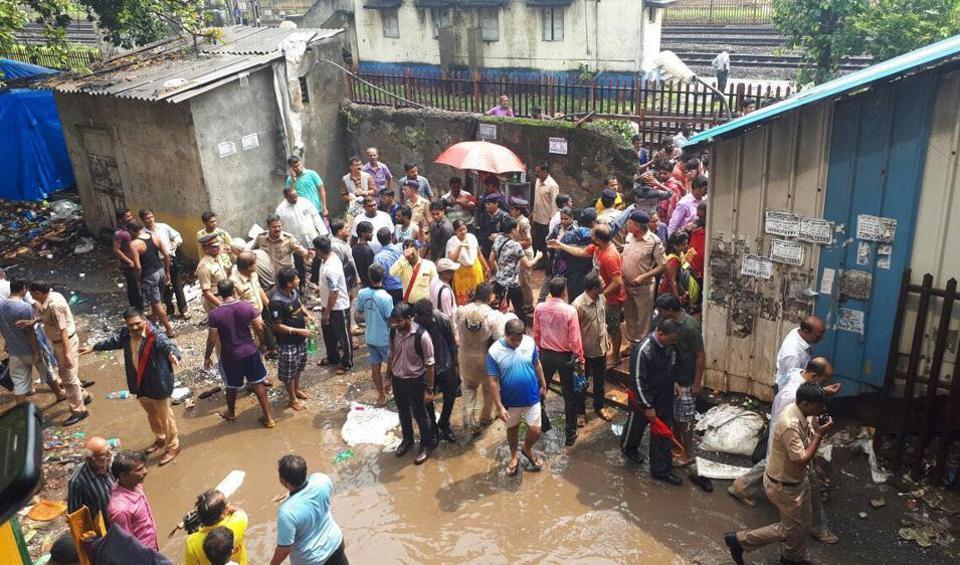 Elphinstone stampede: 15 dead, over 30 injured in Mumbai