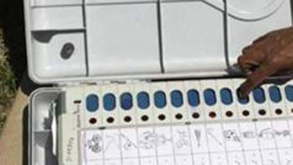 In both Gujarat and Himachal Pradesh, the election commission has decided to use paper trail machines – or VVPATs – that display the result on a confirmation screen for seven seconds after the vote is cast.