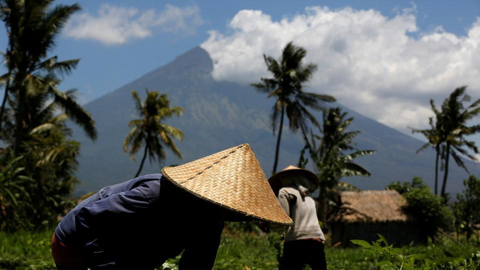 Two separate expected volcanic eruptions spur evacuations on Bali and Ambae