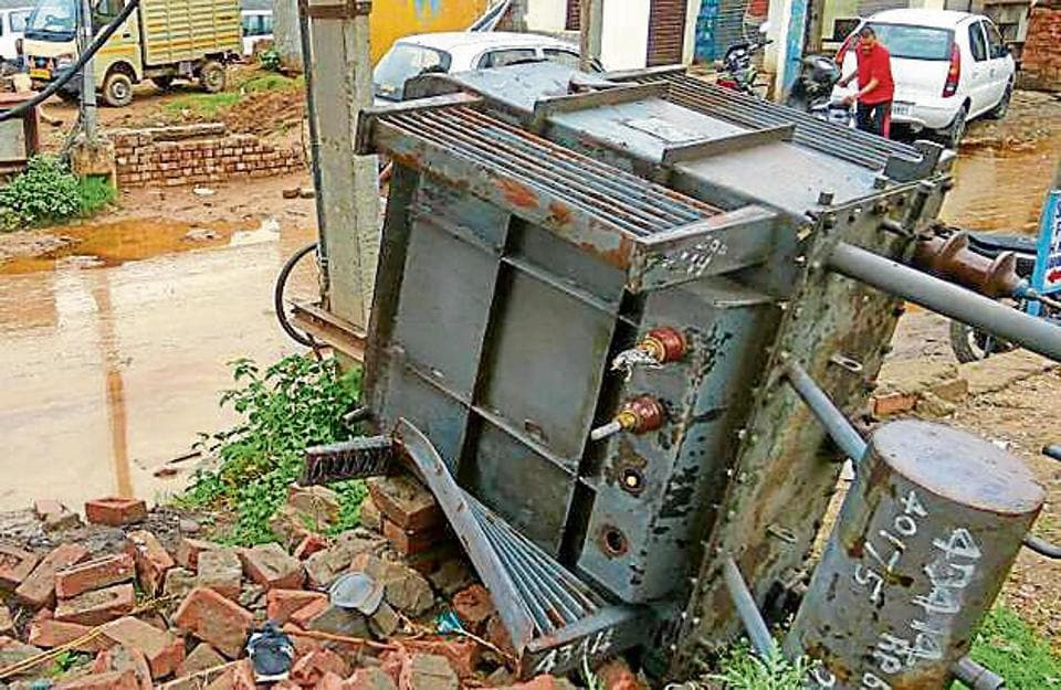 The power transformers are dismantled for oil and copper, materials that are later sold in grey market; farmers claim cases 80% of thefts go unreported due to legal hassles.