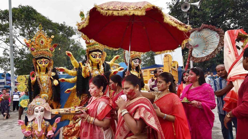 Durga Puja,Kolkata,Idol immersion