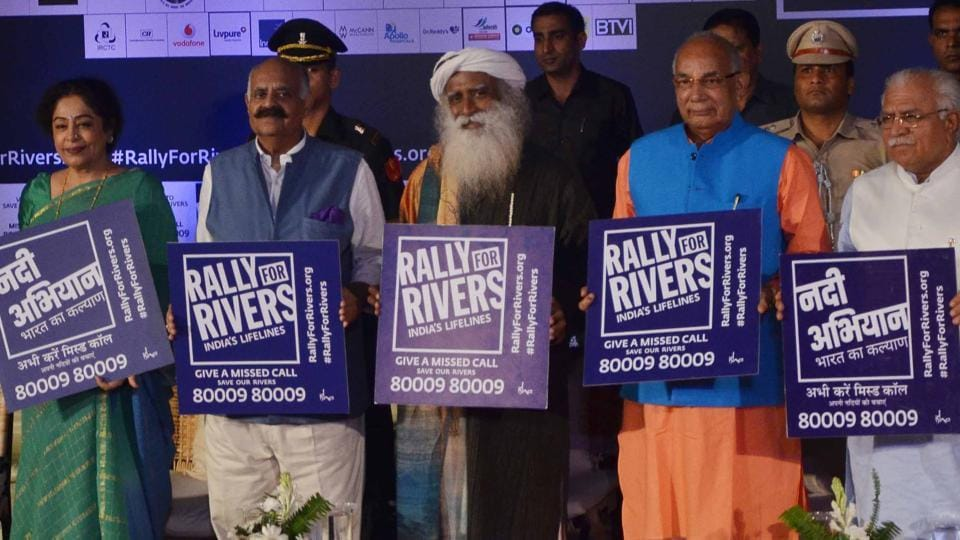 (From right) Haryana CM Manohar Lal Khattar, governor Kaptan Singh Solanki, Sadhguru Jaggi Vasudev, Punjab governor and UT administrator VP Singh Badnore, Chandigarh MP Kirron Kher in Chandigarh taking a pledge to save rivers in Chandigarh on Friday.