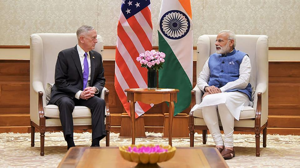 US Defence Secretary Jim Mattis (L) speaking with Indian Prime Minister Narendra Modi, in New Delhi on September 26, 2017. The Pentagon chief arrived September 25 for a 48-hour trip -- the first to India by any member of President Donald Trump's cabinet. (PIB / AFP)