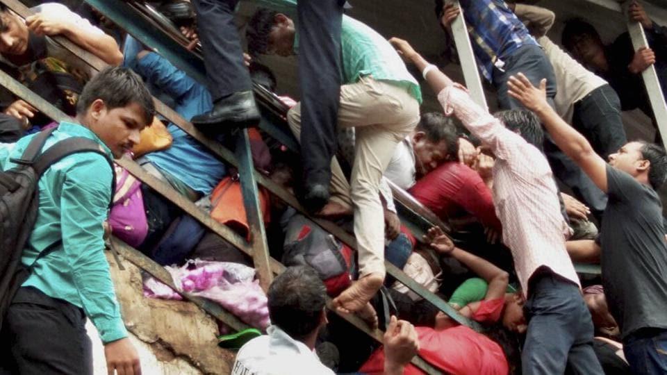 22 Dead 35 Injured In Stampede At Mumbai S Elphinstone