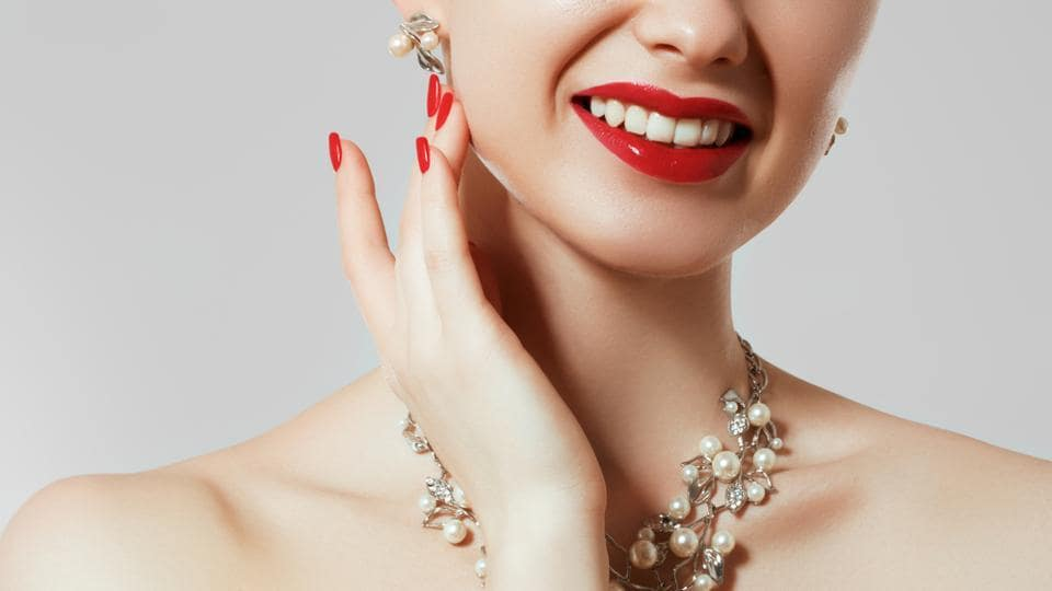 Avoid wearing big earrings if you are wearing a statement neckpiece.
