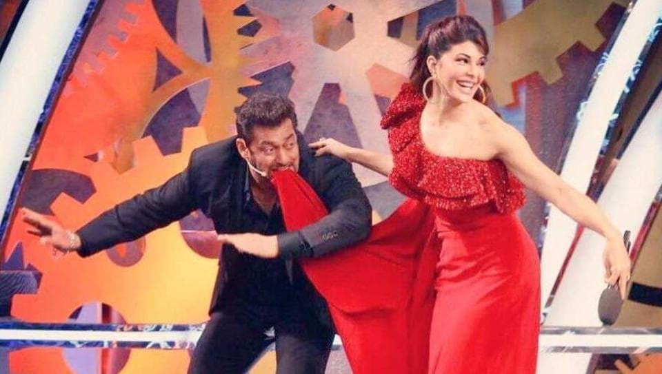 Salman Khan recreated his Jumme Ki Raat step with Jacqueline Fernandez.