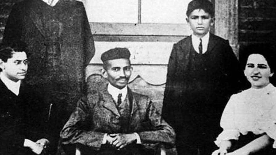 Mahatma Gandhi,Gandhian literature,RK Narayan