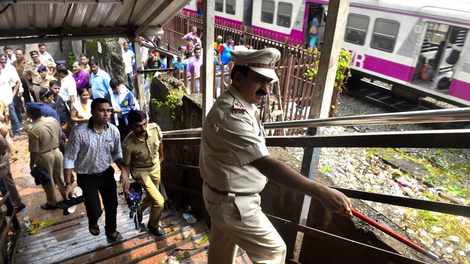 Mumbai,Mumbai stampede,Elphinstone bridge