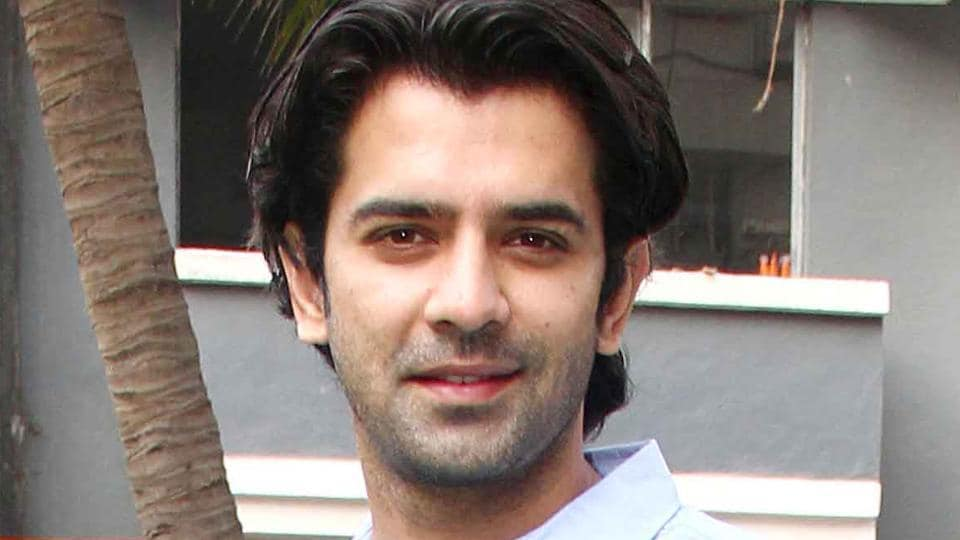 Barun Sobti plays the character of the well-educated and good-natured Arjun Anand in his upcoming film Tu Hai Mera Sunday.