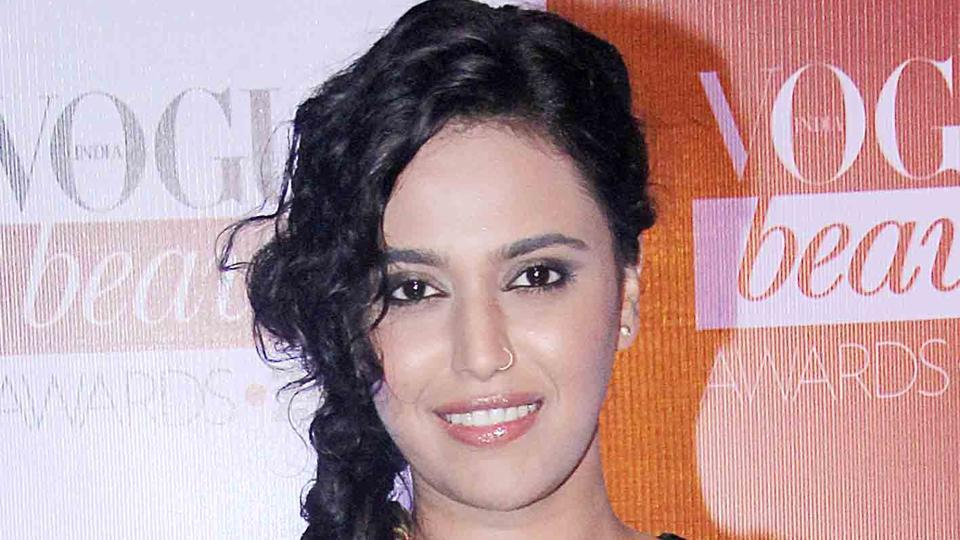 Actor Swara Bhasker reveals that while everyone on the sets of Veere Di Wedding is exploring Delhi's food, she herself is on a diet!