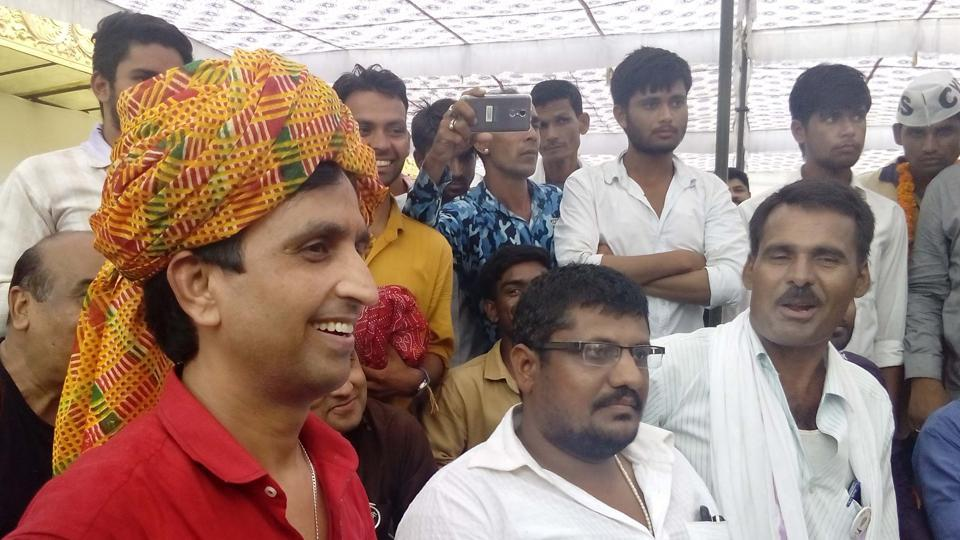 AAP Rajasthan in-charge Kumar Vishwas at the Rajasthan University to felicitate the winners in students' union election.