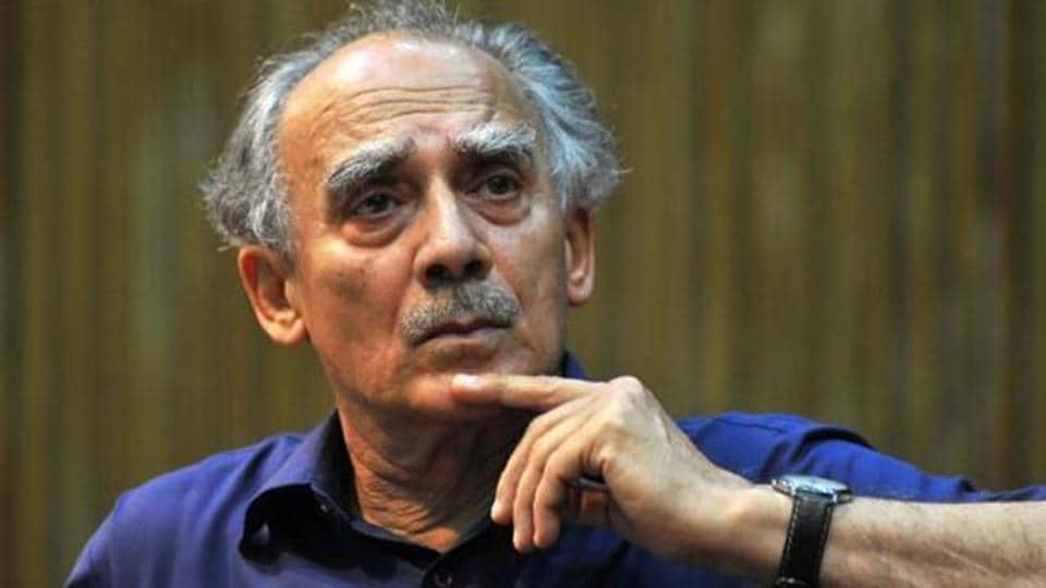 "Arun Shourie describes the Narendra Modi government as a ""government of two-and-a-half persons."""