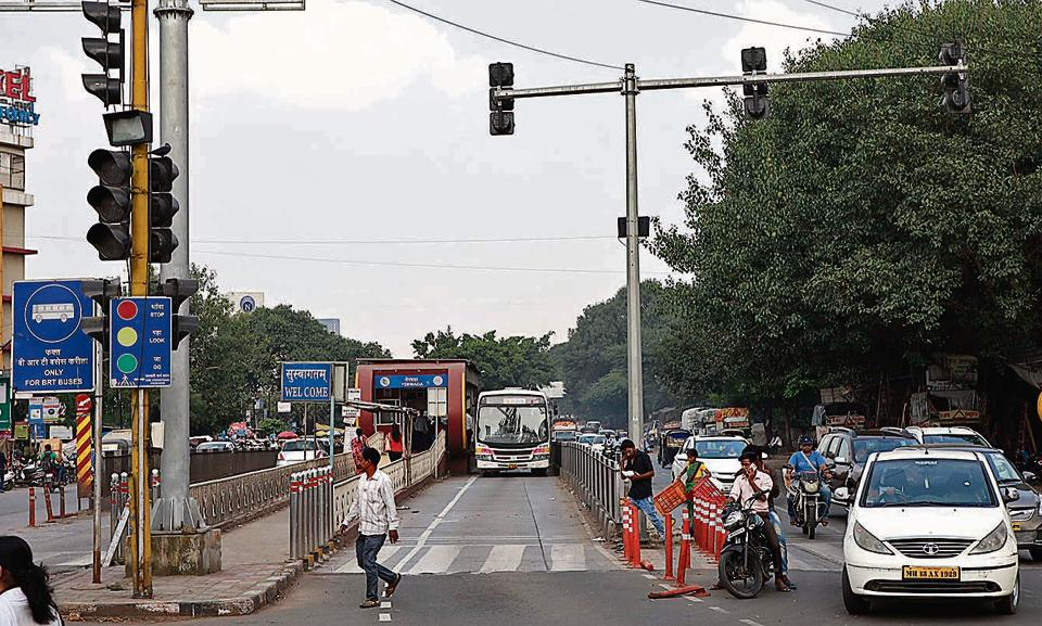 Ahmednagar road BRTS is one of the routes to be scrapped for the sake of the Metro.