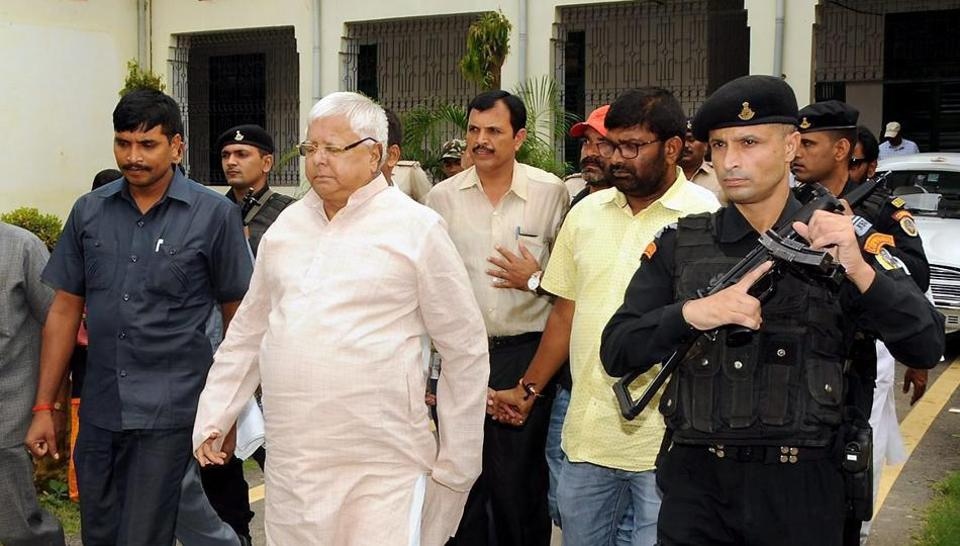 Former Chief Minister of Bihar and RJD Chief, Lalu Prasad Yadav arrives to appear in Special CBI Court in connection with the multi-crore fodder scam case, in Ranchi on September 31, 2017.