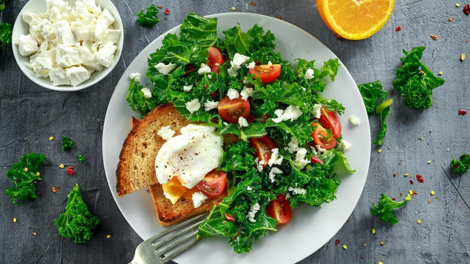 Vitamin K1 is found in spinach, cabbage, iceberg lettuce and olive oil.