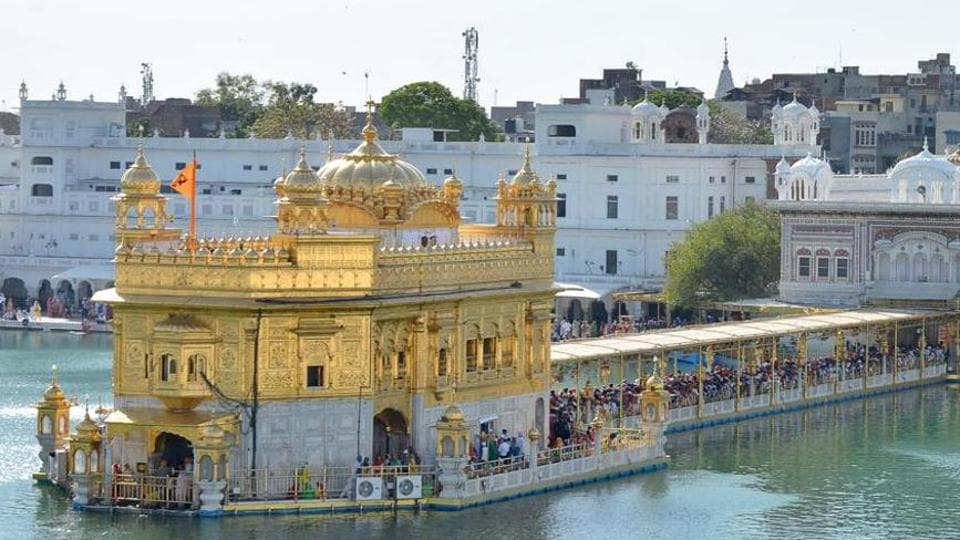 Gurpurb celebrations,Golden Temple,600 quintal flowers