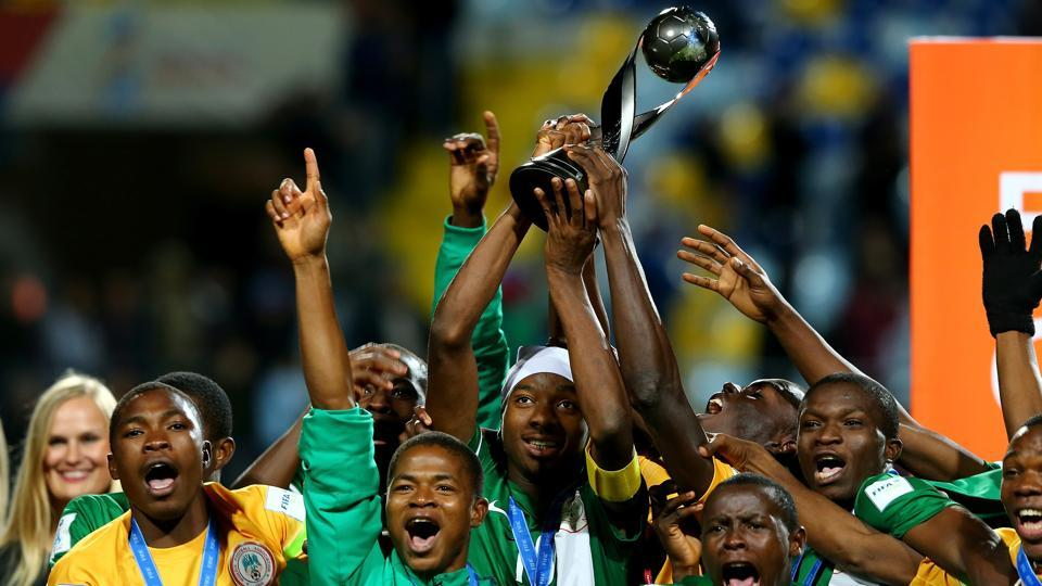 Kelechi Nwakali (No 10) of Nigeria lifts the trophy the FIFA Under-17 World Cup 2015, after they defeated Mali in the final at Estadio Sausalito inChile on November 8, 2015.