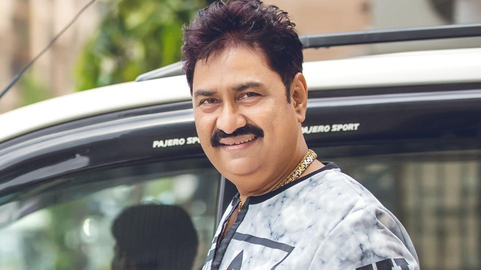 Kumar Sanu says that many Bollywood songs these days are weak in both lyrics and melody, and even the tunes are repetitive.