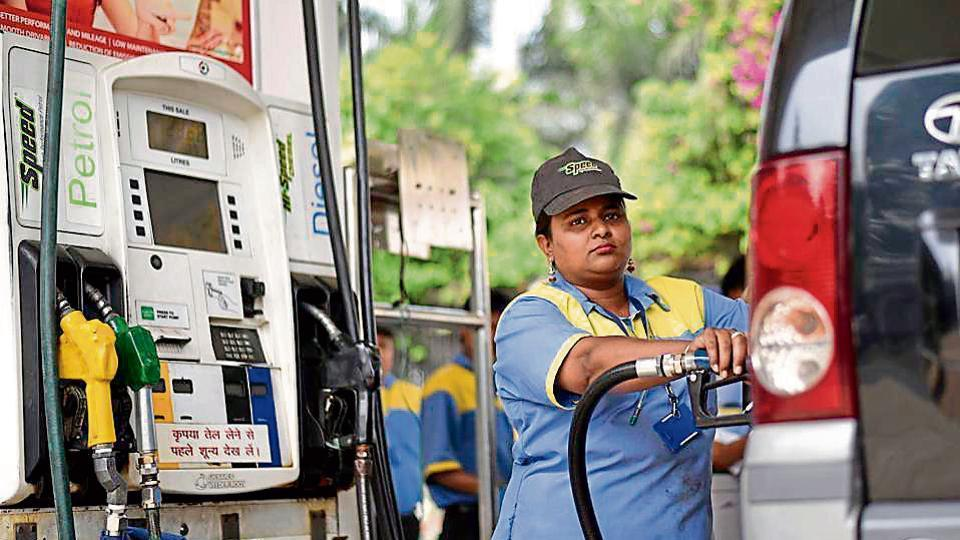 100 petrol pumps along Maharashtra highways to have toilets