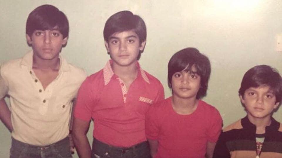 Salman Khan, Arbaaz Khan, Alvira Khan and Sohail Khan got rounded up for a picture.