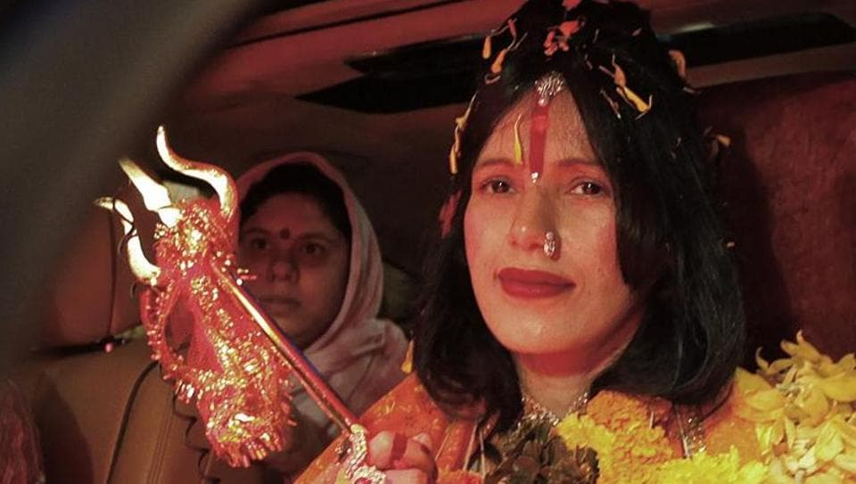 Radhe Maa visiting Siddhivinayak Temple in Mumbai.