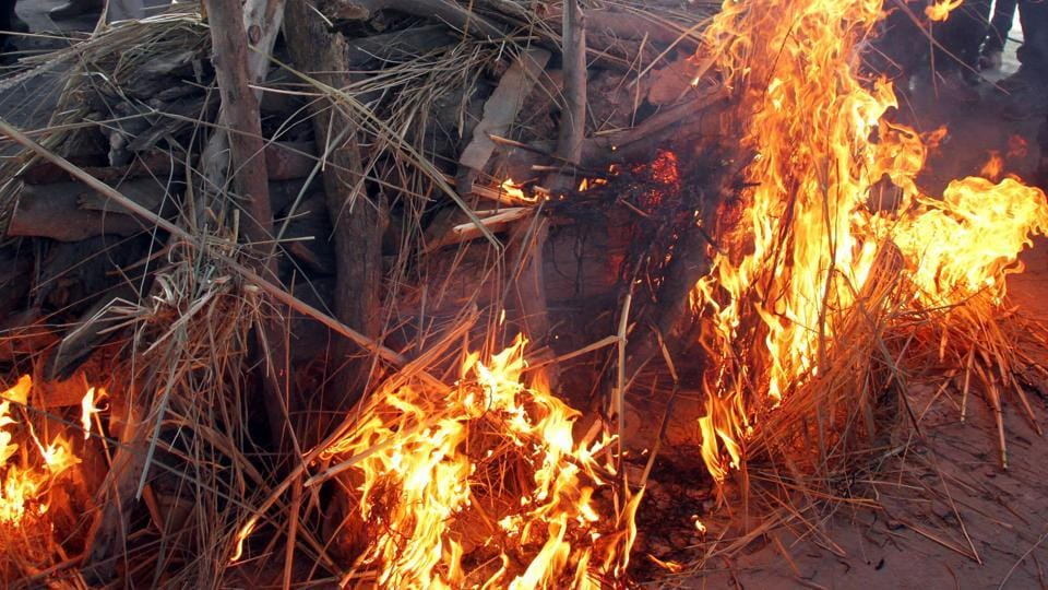 A woman in Rajasthan cremated a body as that of her brother, but  it was later found that he was still alive. (HTfile photo / Representational)