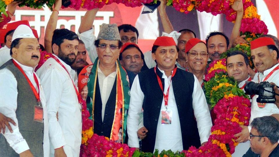 Samajwadi Party President Akhilesh Yadav, accompanied by Mohd Azam Khan and other leaders, being garlanded during the party's 10th National Convention in Agra on Thursday.